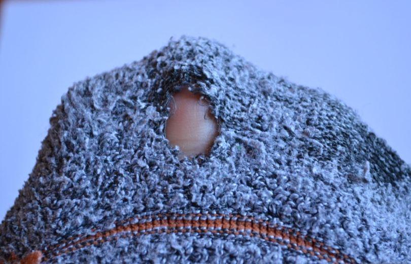 maglione bucato